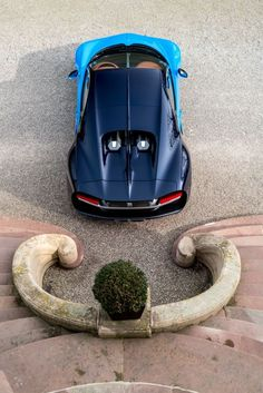 5 Mind blowing facts about the Bugatti Chiron. One of the fastest luxury cars in the world.