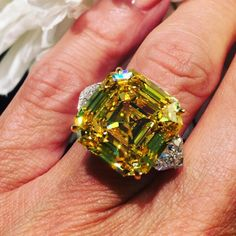 Here's a 20 carat yellow Diamond! Celebrity Engagement Rings, Round Diamond Engagement Rings, Emerald Cut Diamonds, Colored Diamonds, Expensive Rings, Diamond Are A Girls Best Friend, Ring Designs, Fashion Rings, Fine Jewelry