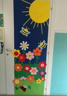 Thinking about Spring Classroom decorations or Easter decorations for Classroom? Take quick clues from this Easter and Spring Classroom Door Decorations. Door Decoration For Preschool, Class Door Decorations, Decoration Creche, Class Decoration, Spring Decorations, Door Decorations Classroom Back To School, Classroom Ideas, Spring School, Sunday School