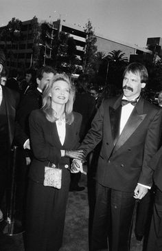 Michelle Pfeiffer at the 1989 Oscars is 1 of Giorgio @Armani's top 10 red carpet moments: http://tgr.ph/1AEg7TV