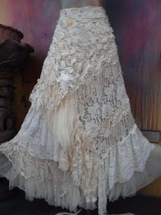 Sie Kleidung Boho Stevie Nicks Your place to buy and sell all things handmade Bohemian Mode, Bohemian Skirt, Gypsy Skirt, Boho Skirts, Bohemian Style, Tulle Skirts, Boho Gypsy, Wrap Skirts, Stevie Nicks