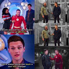Olivarry: Hahaha so true Funny Disney Memes, Stupid Funny Memes, Arrow Memes, Flash Funny, Arrow Black Canary, Arrow Cw, Dc World, Cw Dc, Superhero Villains