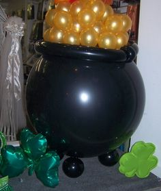Balloon Decor for St. Patrick's Day -  Pot of Gold