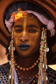 Africa | Wodaabe man participating in the Yaake dance during the Gerewol festival.   Agadez, Niger | � Kerry Halasz