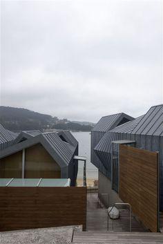 Vivenda en Vilariño - Alfonso Penela Prado, Shelter, Opera House, Building, Travel, Architecture, Houses, Construction, Trips