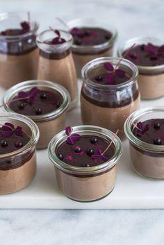Chokolademousse med hasselnødder og chokoladeperler