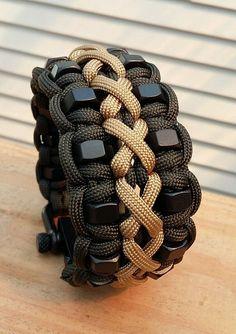 Custom Stitched Hex Nut Paracord Bracelet With Two Black Adjustable Shackle- guineviere hurter - Beste Frisuren Leben Nut Bracelet, Bracelet Knots, Bracelet Crafts, Paracord Tutorial, Bracelet Tutorial, Paracord Braids, Paracord Knots, Paracord Bracelet Designs, Paracord Bracelets