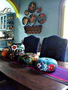 Handmade Home Decor Mexican Kitchen Decor, Mexican Home Decor, Mexican Kitchens, Mexican Dining Room, Hacienda Decor, Hacienda Style, Dining Room Lighting, Dining Rooms, Handmade Home Decor