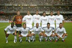 REAL MADRID 2003-04. De pie, de izquierda a derecha: Casillas, Helguera, Pavón, Figo, Ronaldo, Zidane. Agachados, en el mismo orden: Makelele, Salgado, Roberto Carlos, Raúl y Beckham