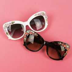 Dress up your spring and summer ensembles with the Retro Flower Cluster Sunglasses ($28) for a breezy vintage-inspired vibe!
