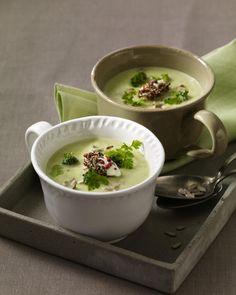 Unser beliebtes Rezept für Broccolicremesuppe mit Pfefferfrischkäse und mehr als 55.000 weitere kostenlose Rezepte auf LECKER.de.
