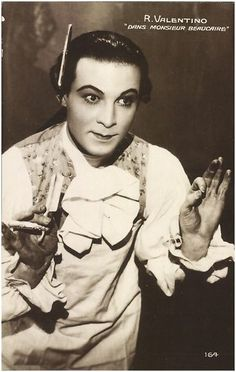 Rudolph Valentino in Monsieur Beaucaire (1924).