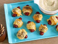Pigs in a Blanket 23 Essential Snacks Every Super Bowl Party Should Have Super Bowl, Food Network Recipes, Cooking Recipes, What's Cooking, Food Porn, Pigs In A Blanket, Potato Skins, Football Food, Watch Football
