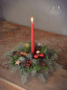 Christmas Bows, Christmas Candles, Christmas Centerpieces, Xmas Decorations, Christmas Time, Christmas Crafts, Christmas Ornaments, Christmas Flower Arrangements, Floral Arrangements