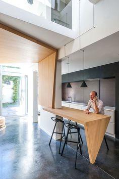 Classic Mansion Renovation / STEP by Van Staeyen Interieur Architecten Home Design 2017, House Design, Single Apartment, Baths Interior, Contemporary Home Furniture, Journal Du Design, Villa, Steps Design, Loft
