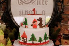 Little Red Riding Hood Guest Dessert Feature « SWEET DESIGNS – AMY ATLAS EVENTS. This is SO. aMAZING!!!!