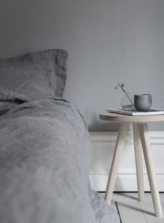 6 Decor Essentials For A Relaxing Bedroom Home Bedroom, Modern Bedroom, Girls Bedroom, Bedroom Decor, Peaceful Bedroom, Bedroom Signs, Master Bedrooms, Bedroom Apartment, Bedroom Ideas
