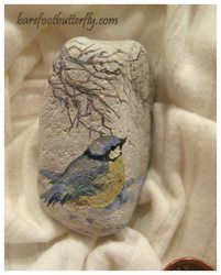 As a child, Carolyn has very fond memories of time spent with her Auntie Bella, an artist who loved painting on stones. These fond memories are behind her love of stones of every shape &. Painted Pavers, Hand Painted Rocks, Painted Pebbles, Painted Stones, Pebble Painting, Tole Painting, Pebble Art, Stone Crafts, Rock Crafts