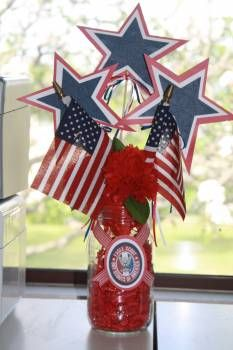 Eagle Scout Centerpieces, Court of Honor. . . just a jar, printed scout symbol, ribbon, paper filling and paper stars.