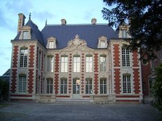 Located Near Hotel Mercure Amiens Cathedrale, Amiens (French pronunciation: Amiens, Exterior, Mansions, Architecture, House Styles, Castles, Berry, Images, Hotels