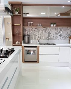 How to decorate the kitchen wall? One of the beneficial we can do is applying kitchen wallpaper. With this article will give some kitchen wallpaper ideas. Modern Kitchen Cabinets, Smart Kitchen, Kitchen Sets, Home Decor Kitchen, Interior Design Kitchen, Kitchen Wallpaper Design, Dining Room Wallpaper, Grey Kitchens, Home Kitchens