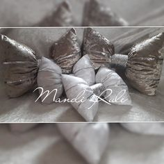 Crushed Velvet, Bows, Projects, Handmade, Accessories, Decor, Arches, Log Projects, Blue Prints