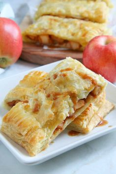 Puff Pastry Apple Slab Pie is the stuff dreams are made of. Easier than just about any other apple pie there is! Perfect for apple season! Apple Recipes With Puff Pastry, Puff Pastry Apple Pie, Easy Pastry Recipes, Apple Slab Pie, Puff Pastry Desserts, Puff Pastry Dough, Apple Dessert Recipes, Tart Recipes, Pastries Recipes
