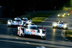 Audi празднует 13-ую по счету победу в 24-часовых гонках на выносливость в Ле-Мане.