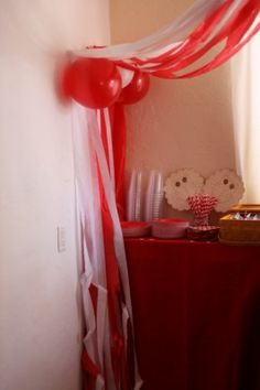 Circus theme baby shower - decor