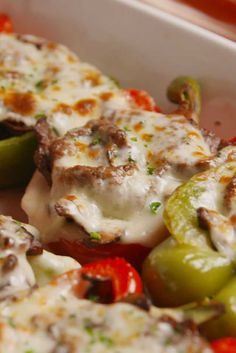 Classic Stuffed Peppers Recipe, Best Stuffed Pepper Recipe, Low Carb Stuffed Peppers, Slow Cooker Stuffed Peppers, Chicken Stuffed Peppers, Lower Carb Meals, Healthy Low Carb Dinners, Cheesesteak Stuffed Peppers, Cheesesteak Recipe