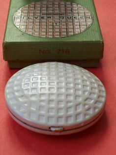 Love this novelty golf ball compact complete with box