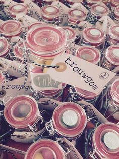 Charismatic Bubble gum: made for my sisters wedding ceremony friends Informations About Trouwgom: gemaakt v. Wedding Gifts For Guests, Best Wedding Favors, Wedding With Kids, Sister Wedding, Friend Wedding, Diy Wedding, Wedding Ceremony, Wedding Ideas, Wedding Stuff