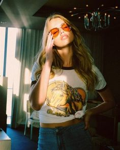 Free Bird the Label creates Vintage Inspired Graphic T-shirts. We print retro style graphics on ever so soft vintage style tees. 70s Aesthetic, Aesthetic Vintage, Retro Outfits, 70s Fashion, Vintage Fashion, Vintage Style, Vintage Inspired, Hippie Fashion, Vintage Vibes