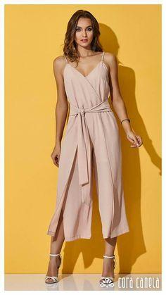 Kristina Bazan Of Kayture Heading Couture Fashion, Girl Fashion, Fashion Outfits, Fashion Design, Classy Outfits, Casual Outfits, Cute Outfits, Fade Styles, Look Chic
