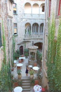 Hotel d'Alibert - Caunes-Minervois. www.audetourisme.com