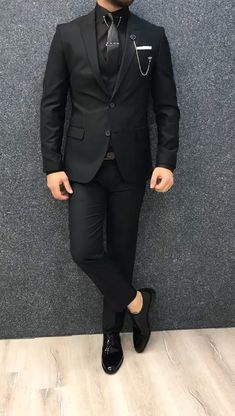 Kleidung Wolf Jewelry: Dances With Vogue Article Body: When shopping for jewelry, one can see two ex Blazer Outfits Men, Outfits Casual, Stylish Mens Outfits, Mode Outfits, Casual Pants, Mens Casual Suits, Dress Suits For Men, Mens Fashion Suits, Trendy Suits For Men