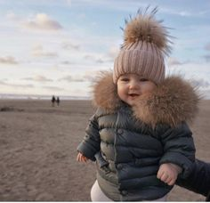 Unique mom and baby beanie set made from the highest quality materials from Root&Mood. Shop for quality mom and baby beanie set online today. So Cute Baby, Cute Baby Pictures, Cute Baby Clothes, Cute Kids, Cute Babies, Baby Kids, Beach Babies, Fashion Kids, Baby Girl Fashion