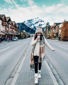 Downtown Banff In Alberta Canada Oversized Scarf Sorel Boots Winter # downtown banff in alberta kanada übergroße schal sorel stiefel winter # # centre-ville de banff en alberta canada écharpe oversize bottes sorel hiver # Winter Outfits For Teen Girls, Fall Winter Outfits, Winter Dresses, Autumn Winter Fashion, Snow Outfits For Women, New York Winter Outfit, Winter Clothes, Snow Clothes, Casual Winter