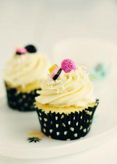Sweetapolita – Licorice Delight: Vanilla Almond & Anise Cupcakes