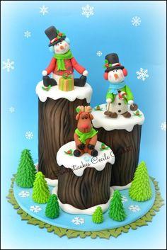 Funny Christmas Logs Cake - cake creation for Cake Design Magazione (Italy) Christmas Log Cake, Christmas Cake Designs, Christmas Cake Decorations, Holiday Cakes, Christmas Desserts, Christmas Humor, Christmas Treats, Christmas Baking, Xmas Cakes
