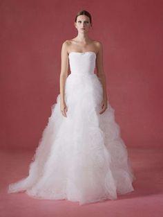 http://matrimonio.pourfemme.it/foto/abiti-da-sposa-oscar-de-la-renta-autunnoinverno-2016-2017_4181.html