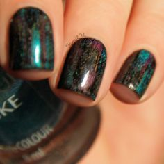 fall in ...naiLove!: DISTRESSED holographic nails: tutorial.
