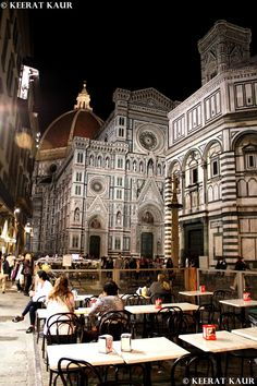 Would you like to eat right beside the Duomo in Florence?