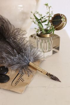 Vintage inkwell and quill  (via idémakeriet)