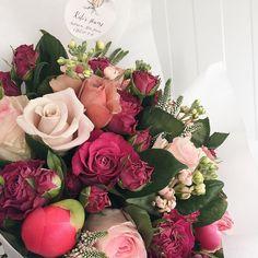 Уточнить наличие узнать цены и оформить заказ : Звонки / WhatsApp 8 (967) 053-13-59 Пн. - Пт. : 10:00-19:00 #цветы #цветымосква #флористика #флористикамосква #букет #букетмосква #заказбукета #доставкабукета #пионы #пионымосква #купитьбукет #цветывподарок #цветыдлялюбимой #flowers #katesflowers #kates_flowers #заказцветов #букетневесты #букетдляневесты #пионовидныерозы by kates_flowers