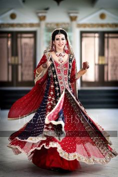 Pakistani Wedding Dresses | Irfan Ahson Photos 65 width=