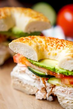 Lunch Recipes, Cooking Recipes, Healthy Recipes, Sandwich Recipes, Chard Recipes, Veggie Sandwich, Chicken Sandwich, Healthy Bagel, Bagel Breakfast Sandwich