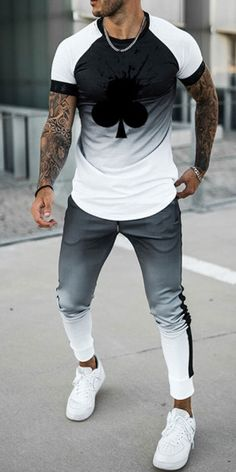 Winter Outfits Men, Stylish Mens Outfits, Casual Outfits, Summer Fall, Casual Summer, Mens Casual T Shirts, Mens Fashion Wear, African Men Fashion, Men Style Tips