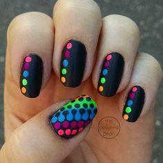 Neon interlocking dot nail tutorial