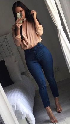 19 Trendy dress outfit heels jeans Source by party outfit jeans Classy Outfits For Teens, Girls Night Out Outfits, Dressy Casual Outfits, Business Casual Outfits, Everyday Outfits, Party Outfits With Jeans, Casual Heels Outfit, Casual Night Out Outfit, Casual Clothes